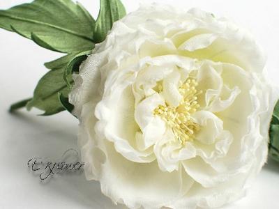 Роза из шелка. Искусственный цветок из ткани