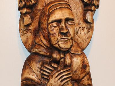 Деревянная статуя Святой Матроны
