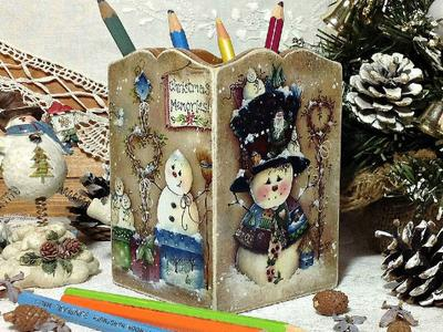 Карандашница Веселые снеговики выполненая руками