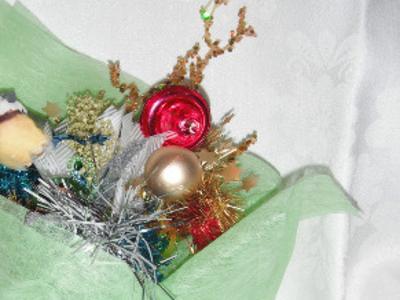 Новогодний букет с птичкой