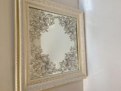 Зеркало настенное в деревянной раме ручной работы