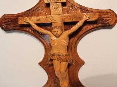 Деревянный крест православный