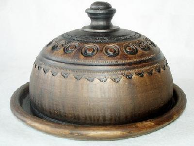 Глиняная узорная масленка посуда ручной работы