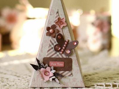 Треугольная коробочка для подарка - своими руками