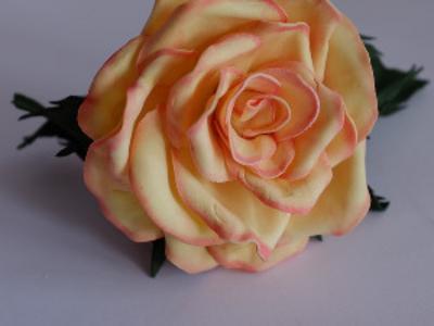 Заколка Роза из фоамирана