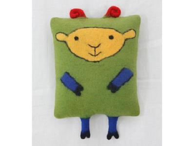 Подушки-игрушки из войлока ручной работы