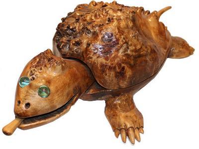 Шкатулка черепаха из березовой капы. Ручная работа молдавского мастера