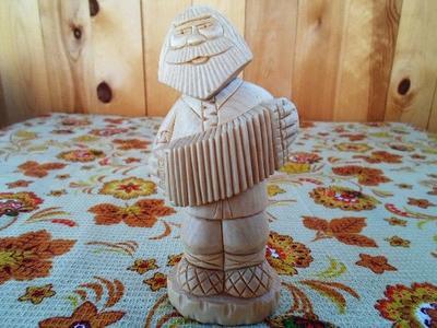 Статуэтка из кедра  изделия ручной работы