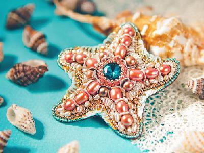 Бисерная брошь Морская Звезда с камнями