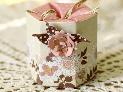 Подарочная коробка ручной работы для сувенира