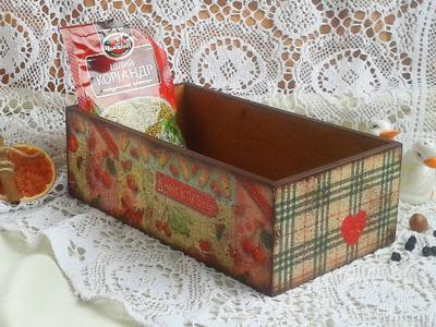 Короб для специй с пирожными