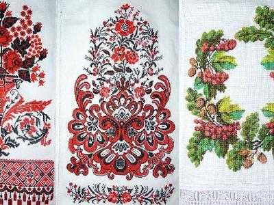 Вышитый руками свадебный рушник